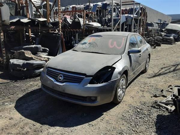 Photo PARTING OUT 2009 NISSAN ALTIMA AUTO PARTS - $1 (Rancho Cordova)