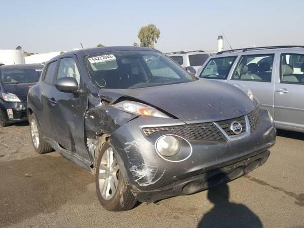 Photo PARTING OUT 2012 NISSAN JUKE  AUTO PARTS - $1 (Rancho Cordova)