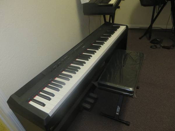 Photo PIANO NEW  USED YAMAHA, MORE PIANOS  KEYBOARDS - $350 (MODESTO)