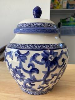 Photo Ralph Lauren Fine China Pot - $50 (Pacific Grove)