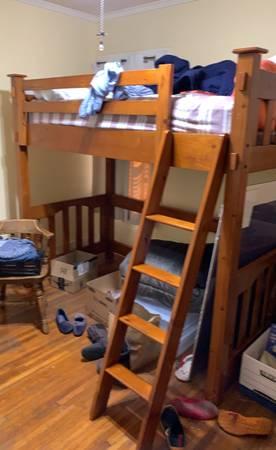 Photo twin loft bed - Pottery Barn - $350 (Merced)
