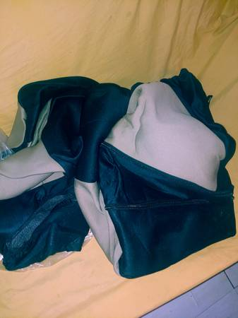 Photo 2006 chrysler 300 New seat covers - $40 (BIRMINGHAM)
