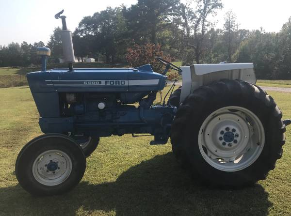 Photo 6600 Ford Diesel Tractor - $9,500 (Tupelo)