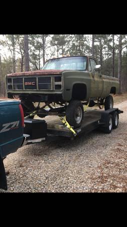Photo 73-87 Chevy K20 parts - $40 (Picayune)