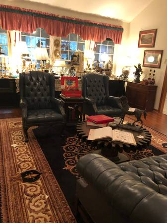 Photo ESTATE SALE--LAKE FOREST-DAPHNE (117 SCHOOLEY CIRCLE)