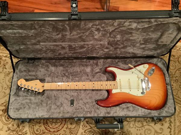 Photo Fender 2015 American Standard Stratocaster Sienna Burst - $1,100 (Meridian)