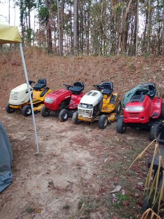 Photo Ridding mowers for sale (Meridian)