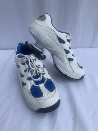 Photo Z Coil Mens 9 M White athletic tennis shoes - $45 (Theodore)
