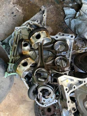 Photo 0304 Honda S 2000 OEM engine parts - $110 (Oakland Park)
