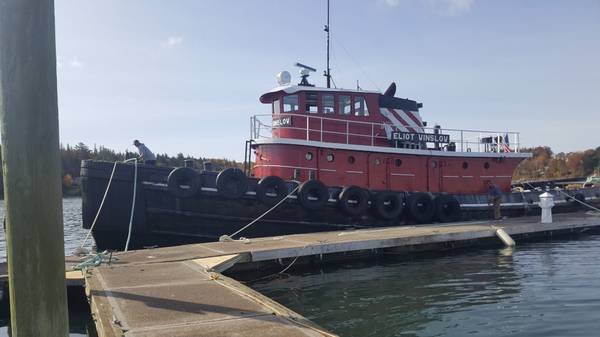 Photo 10739 Workable Tug Live Aboard - $39,500 (Ft. Pierce)
