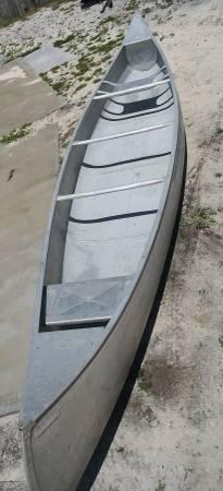 Photo 17ft grumman aluminum canoe - $475 (Pompano beach)