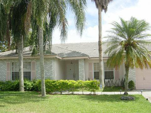 Photo 1br - Room for rent Nice house Pool and Parking Safe and Quie (Coconut creek  north broward)