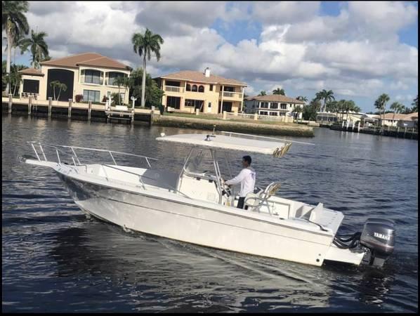 Photo 2001 Angler Boat Center Console 25 - $38,900 (pompano beach)