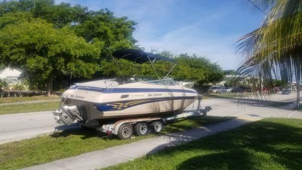 Photo 2001 Crownline BR260 26ft Bow rider - $6,500 (Pompano Beach)