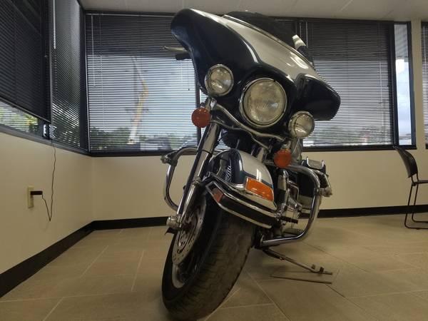 Photo 2002 Harley Davidson Electra Glide Classic - $4,500 (Miami)
