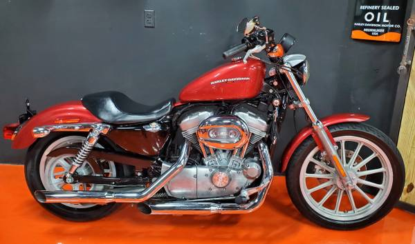 Photo 2005 HARLEY DAVIDSON SPORTSTER 883 - $3,650 (Miami)