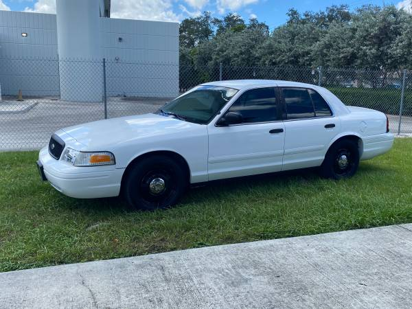 Photo 2007 Ford Crown Victoria P71 police package - $3,900 (Miami airport area)