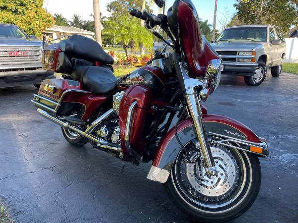 Photo 2007 HARLEY DAVIDSON ULTRA CLASSIC Only 13,000 Original Miles - $7,995 (Fort Lauderdale)