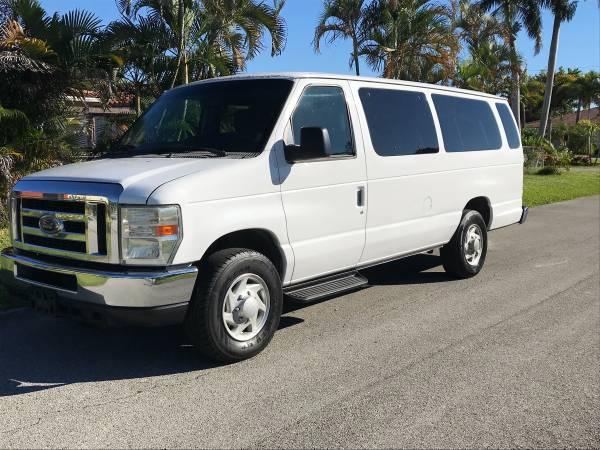 Photo 2010 ford 15 passenger van - $6,300 (Pompano Beach)