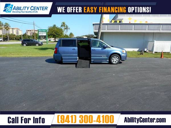 Photo 2012 Chrysler Town and Country Wheelchair Van Handicap Van - $25,900 (5611 S. Tamiami Trail, Sarasota, FL 34231)