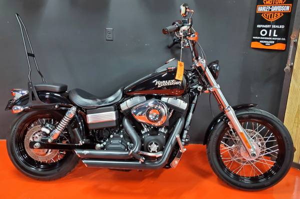 Photo 2012 HARLEY DAVIDSON STREET BOB - $8,450 (Miami)