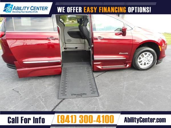 Photo 2020 Chrysler Pacifica Wheelchair Van Handicap Van - $73,425 (5611 S. Tamiami Trail, Sarasota, FL 34231)