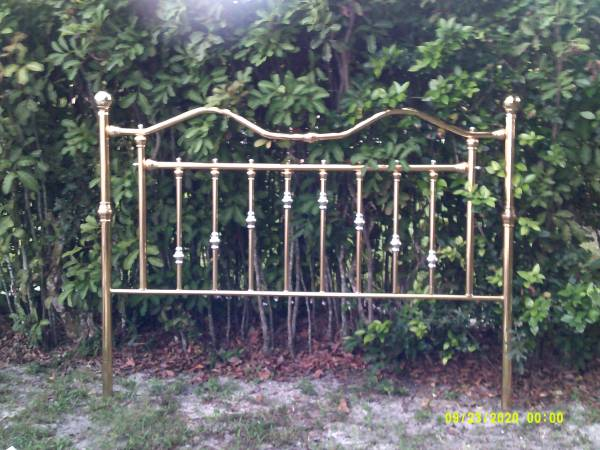 Photo BRASS Headboard for BED Stunning - $155 (Coconut Creek, FL.)