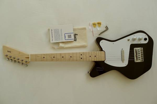 Photo Brand-new LOOG Learning Electric Guitar - $190 (Miami Beach)