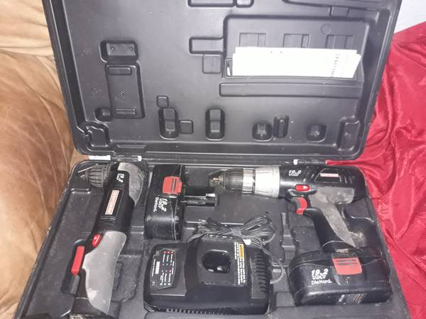 Photo Craftsman 19.2 Drill Set Complete wcarry Case - $75 (Hollywood)