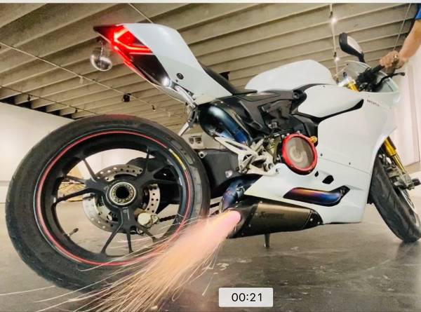 Photo Ducati Panigale 1199 S ABS Akrapovic Titanium Full Exhuast System - $15,999 (Miami)