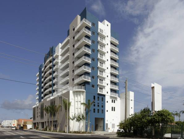 Photo GORGEOUS 11 WITH WD , PARKING, JACUZZI, GYM.. ( ONLY $750 DEPOSIT ) (LITTLE HAVANNA  DOWTOWWN)