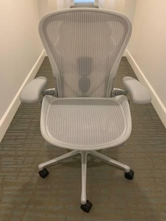 Photo Herman Miller Aeron Remastered Chair - $1,200 (Plantation)