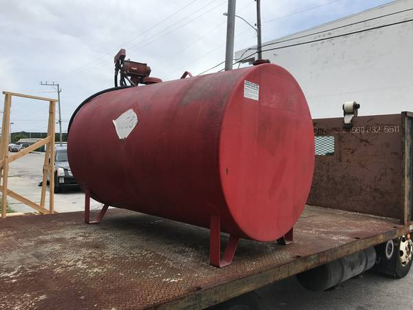 Photo Large diesel above ground fuel tank with working pump must sell - $1500