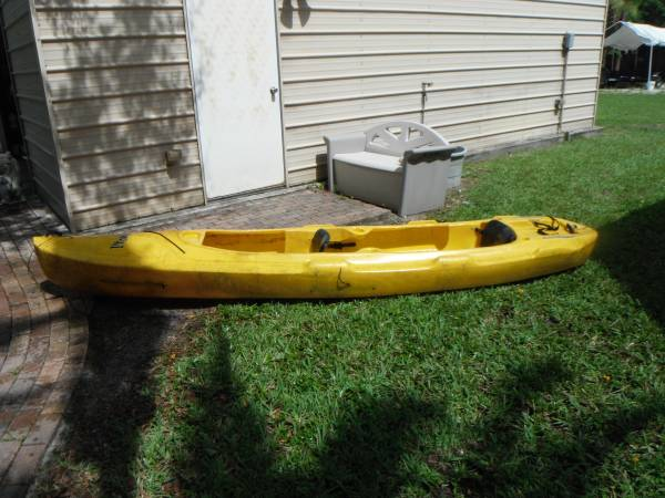 Photo MAINSTREAM PROWLER TWO PERSON KAYAK , CUP  ROD HOLDERS, TIE DOWNS - $400 (LAKE WORTH)