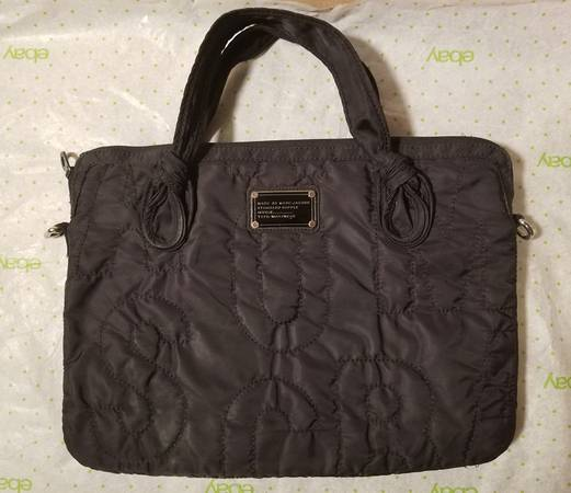 Photo Marc Jacobs Signature Stitched Nylon Padded Laptop Carry-Case PERFECT - $25 (Davie)