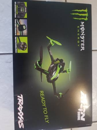 Photo Monster Energy Drone Limited Edition Traxxas Aton NEW - $240 (Davie)