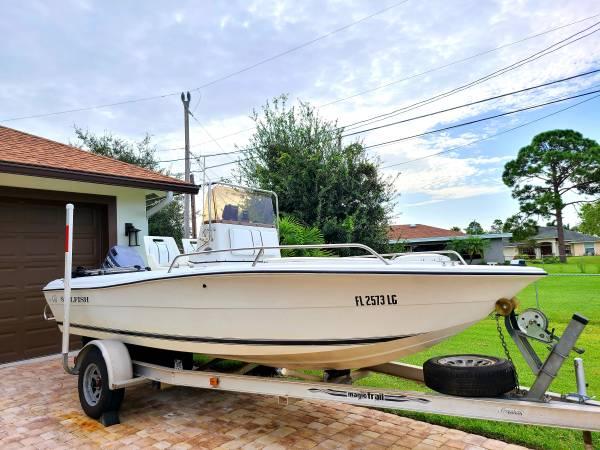 Photo Sailfish 18ft Center Console Bay Boat - $9500
