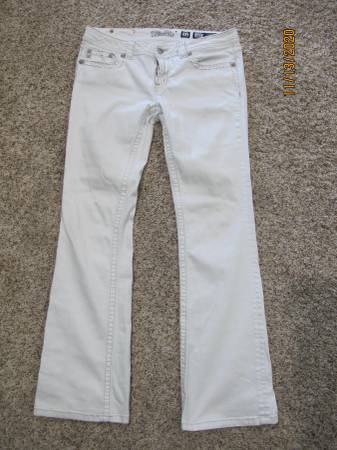Photo Women39s white Miss Me jeans - $50 (Palm Beach Gardens)