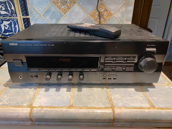 Photo Yamaha RX 496 AMFM Old School Stereo Receiver - $80 (Miami)