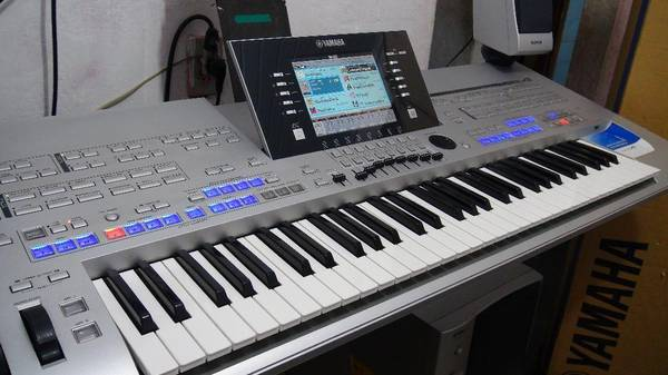 Photo Yamaha Tyros 4 Tyros4 Arranger Keyboard - $1999 (Clearwater)