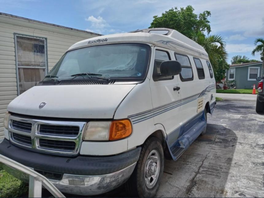 Photo 1999 Roadtrek Versatile 190 $ 18999  Make an Offer