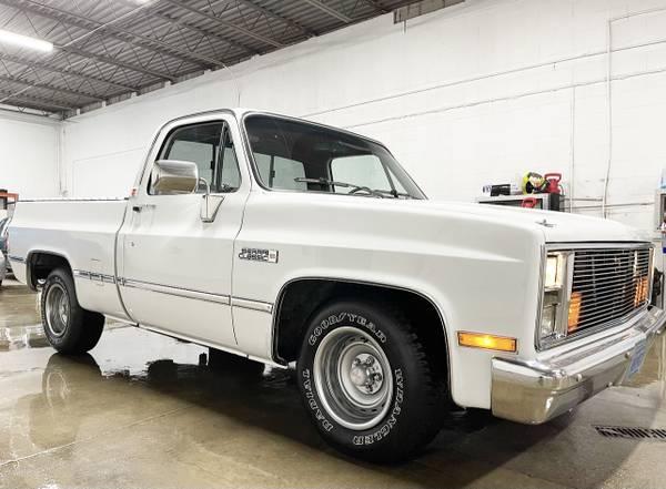Photo 1985 Chevy c10 Short Bed NICE - $14,999 (Menomonee Falls Wi)