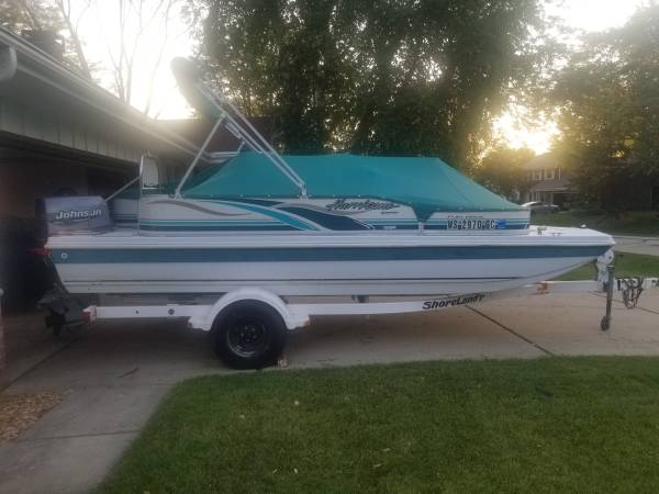 Photo 2000 HURRICANE DECK BOAT - $7,000 (MUSKEGO)