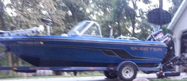 Photo 2000 Skeeter DV1775 18-foot Fishing Boat No Engine - $7,500 (Union Grove)