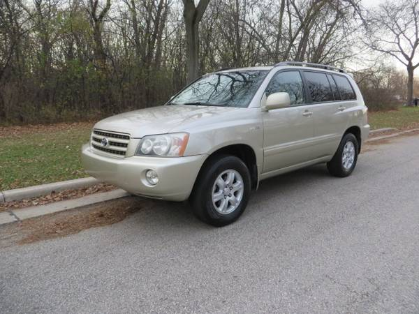 Photo 2002 Toyota Highlander Limited AWD Only 76k Miles Rust Free from VA - $8,977 (www.ezmotorcars.com for a free Carfax report)