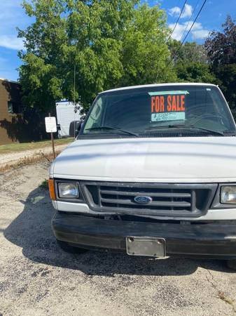 Photo 2003 E250 Cargo van - $3200