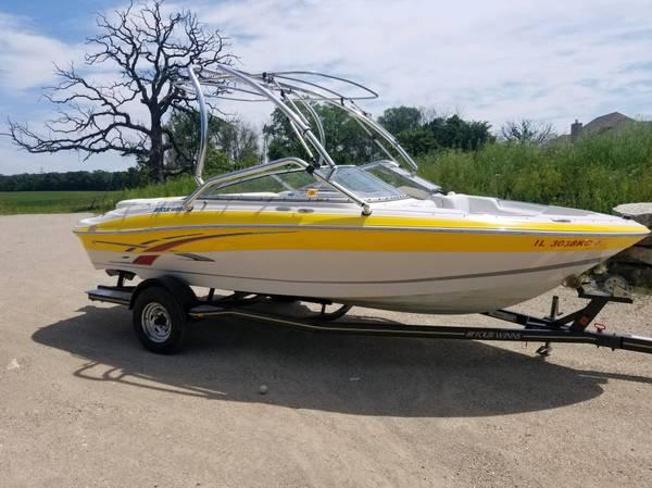 Photo 2007 Fourwinns 20 foot wakeboard boat - $21,500 (muskego)