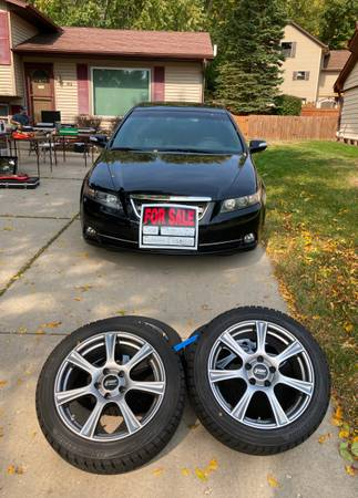 Photo 2008 Acura TL-Type S woptional snow wheels - $8,300 (Waukesha)