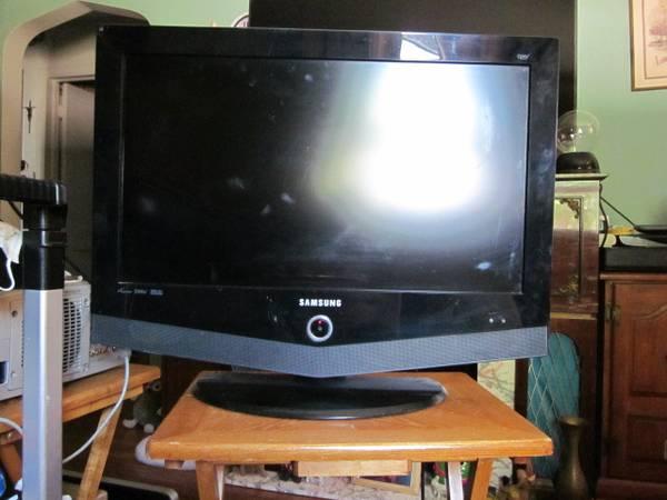 Photo 26quot samsung hdtv monitor - $35 (kenosha)