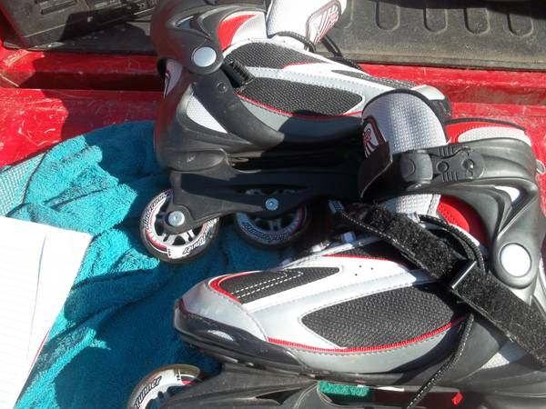 Photo 3 mint sets of roller blades - $35 (New Berlin)